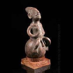 Terracotta Mangbetu jar -...