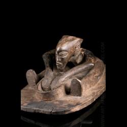 Tshokwe Lwena figure