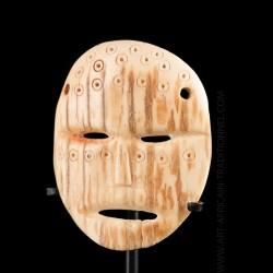 Lega Lukungu mask