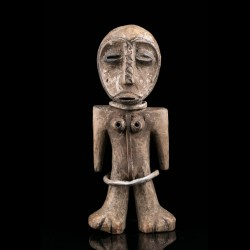 Iginga figure of the Bwami...