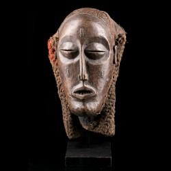 Pwo Tchokwé Mask