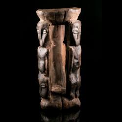 Lega Kisumbi stool