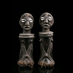 Pair of Mpundu dolls -...