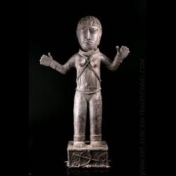 Statue en bronze africain...