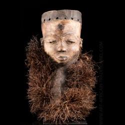 Masque Pende Kiwoyo Muyombo